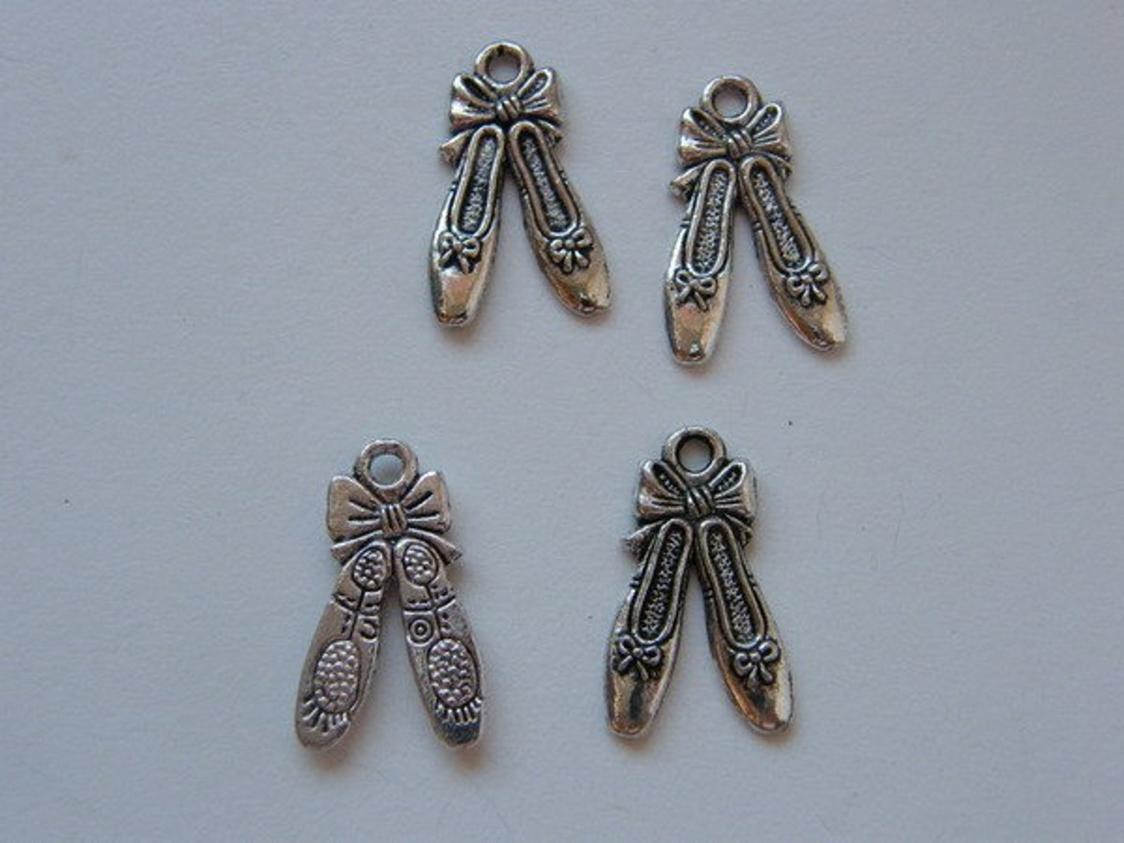 bulk 50 pair of ballet slippers charms antique silver tone fb34