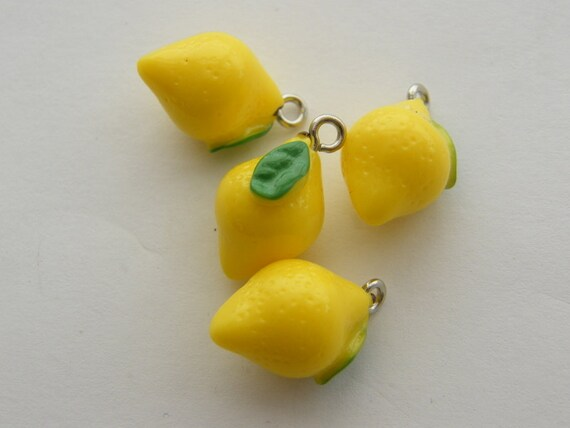 4 Lemon charms resin FD247