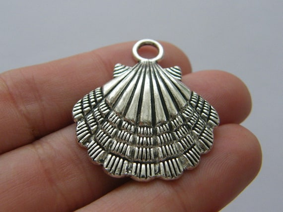 2 Shell charms antique silver tone FF244