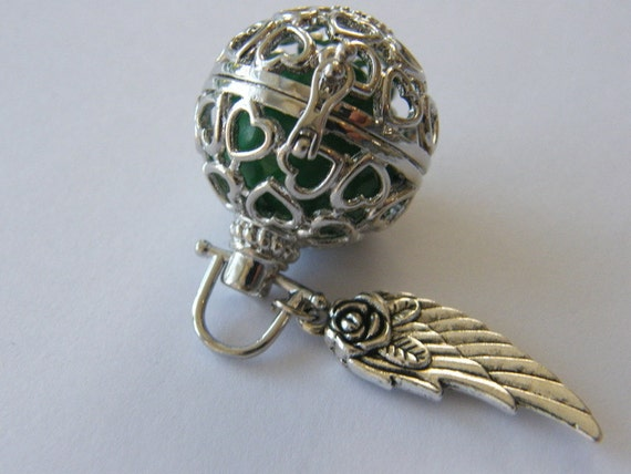 1 Wish box pendant green antique silver tone M827