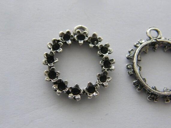 6 Tool pendants antique silver tone P354