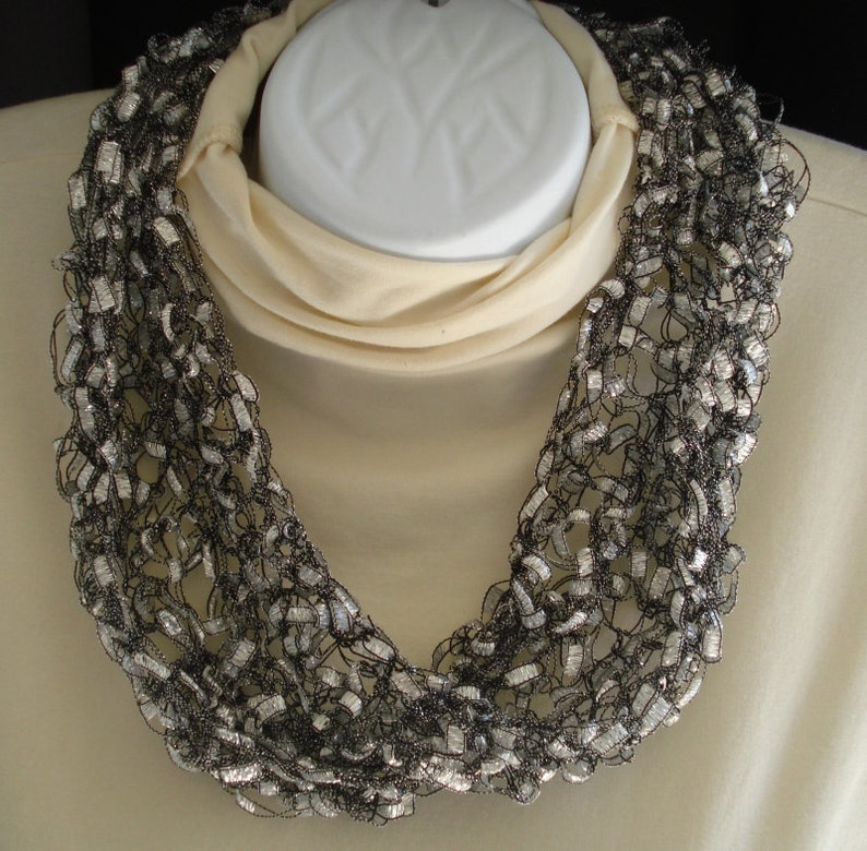 Pattern for Knit Moebius Scarf of Ladder Ribbon Yarn with ...