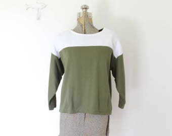 Vintage Cropped Sweatshirt / 1980s Hunter Green Cropped Knit Sweater