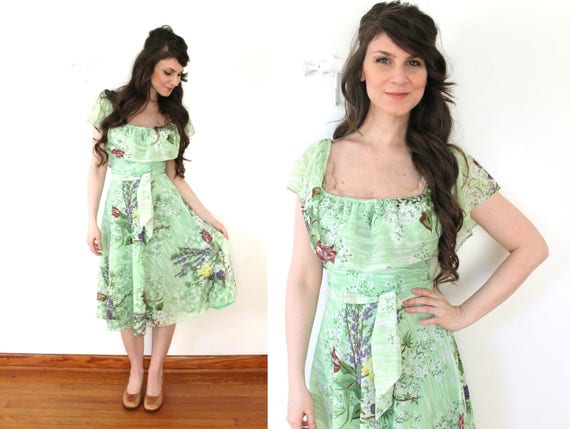 70s Green Floral Spring Dress / 1970s Fluttery Gre