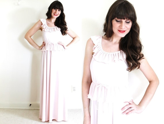 Vintage Maxi Dress/ 70s Maxi Dress / Light Pink Ma