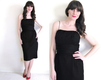 Little Black Dress / 50s Dress / 50s Wiggle Dress