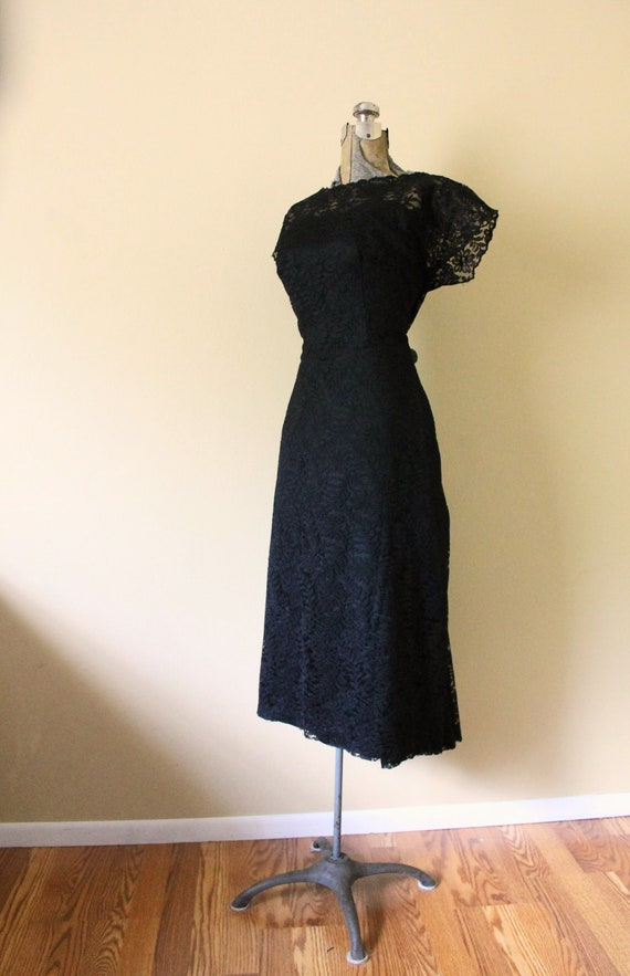 1950s Illusion Neckline Dress / 1950s Black Dress… - image 3