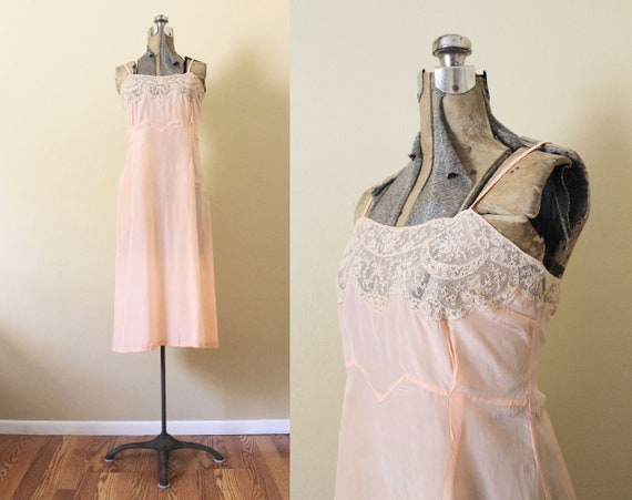 Reserved 1930s Nightgown / 1930s Pale Peach Pink S