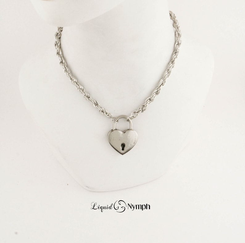 Romantic Gift Locking Necklace Intricate Chain Heart PadLock  image 0