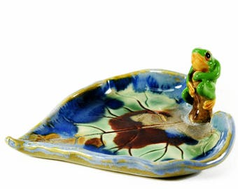 ceramic cute frog on leaf trinket dish sweet dish ooak jewellery dish ring dish or teaspoon dish keys hand sculpted by Anita Reay Etsy
