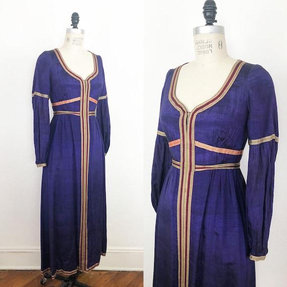 Vintage 60s Purple Silk Elegant Medieval or Renais