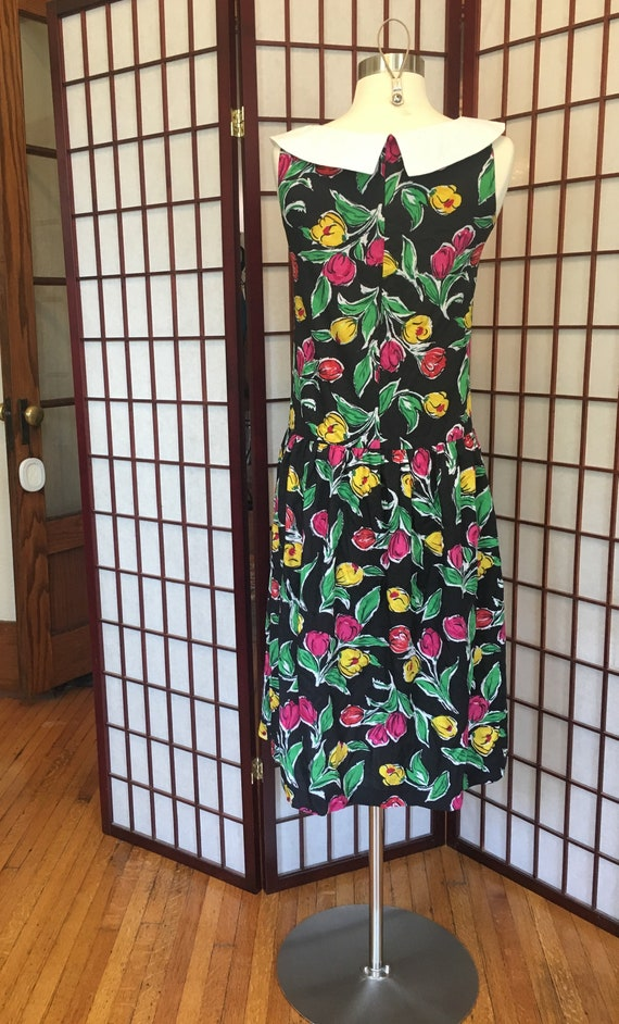 1960s Drop Waist Sleeveless Floral Dress with Pet… - image 4