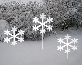 Snowflake Garden Stakes (Set of 3) / Christmas Decoration, Outdoor, Metal, Holiday, Winter, Garden, Art, Yard, Lawn, Ornament, Wall, Hanging