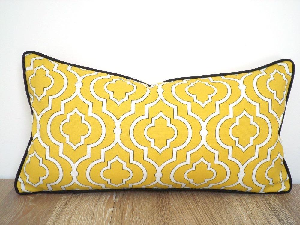 housse de coussin ext rieur jaune coussin jaune et noir. Black Bedroom Furniture Sets. Home Design Ideas