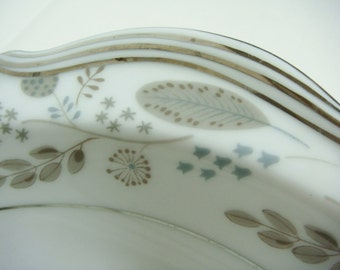 Noritake Large Serving Dish - Doranne Serving Bowl Noritake Doranne Fine China