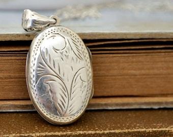 sterling silver oval locket necklace, 925 sterling silver, vintage silver locket, vintage etched floral silver locket