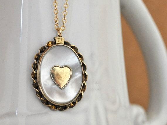 vintage find, VINTAGE HEART LOCKET, 1940s gold fil