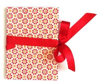 Accordion Photo Book red orange flower stamps, brag book, memory album, photo gift idea, small photo album, gift idea for grandparents