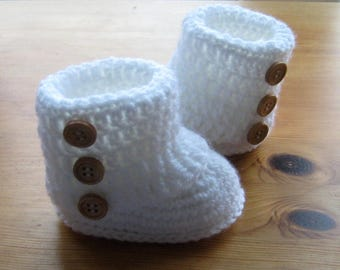 Crochet Pattern CR66 - Winter White Uggs - Fold Over Cuffs - DK 0-6 months and 6 to 12 months