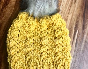 woman slouch hat, crochet slouch hat, mustard, beanie, autumn hat, christmas gift, birthday gift, faux fur, pom pom, chevron, winter hat