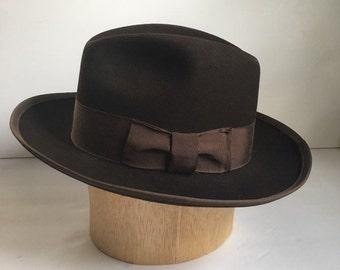 95e4bd6a610f0 Men s 1950 s  Mid Century  Vintage Brown Felt Fedora Dress Hat by Tempo