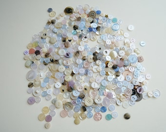 Pastel Mix of Assorted Buttons, Crafting Supplies, Value Button Packs, Sewing Notions, Haberdashery Supplies,
