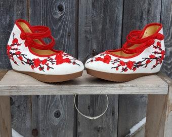 check out 04902 e4b41 Korean, cherry blossom shoes, size 7 1 2
