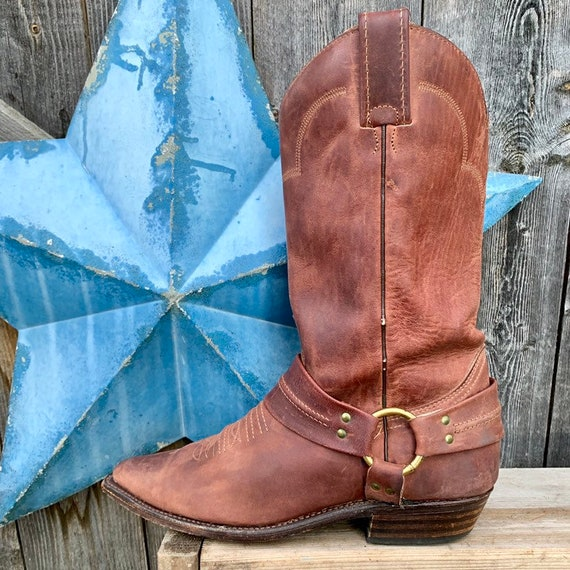 Oiled leather, harness, cowgirl boot