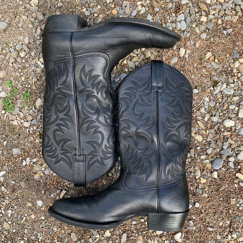 by Ariat western boot Men/'s black on black