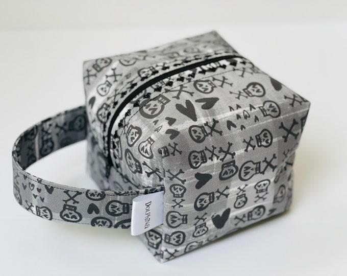 Box bag - Love Skulls