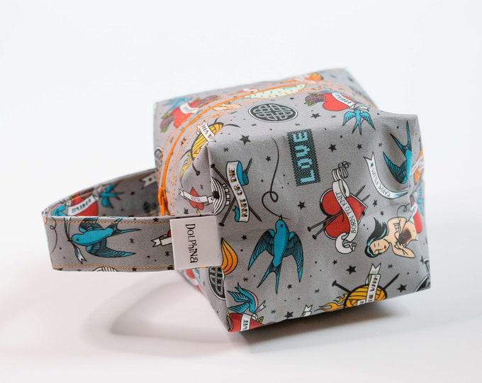 Box bag - Showing some Skeins