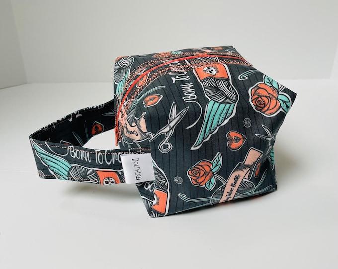 Box bag - Born to Crochet (Navy)