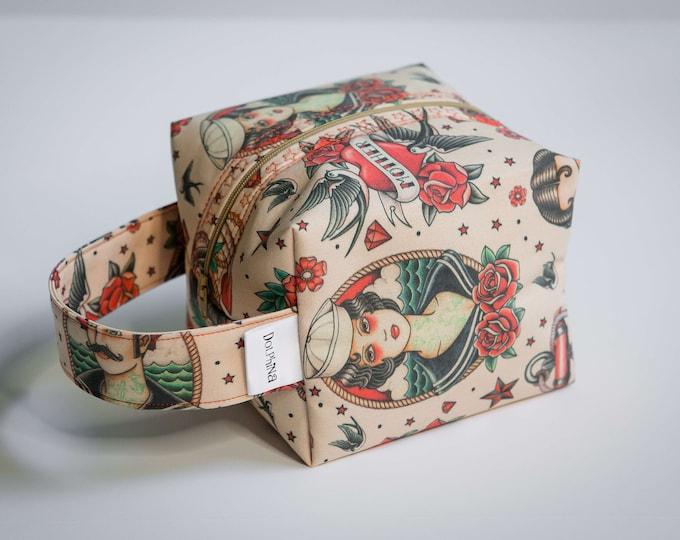 Box bag - OLD SCHOOL TATOO Sink or swim