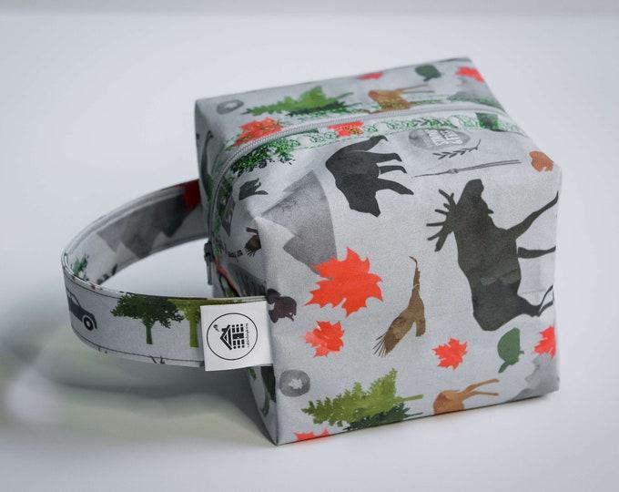 Cabinboyknits&Dolphina - Box bag - Strong and free