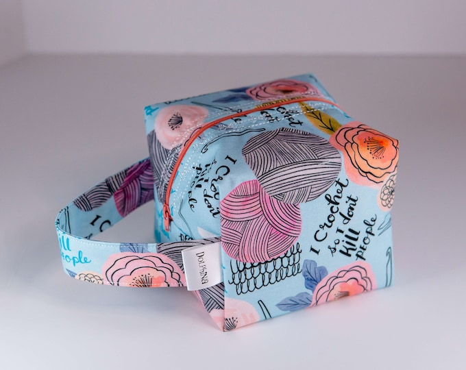 Box bag - I crochet so I don't kill people (pastel version)