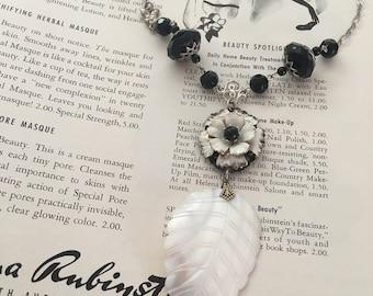 Vintage Flower Mother of Pearl Leaf Necklace