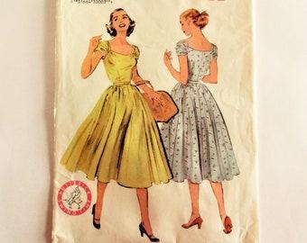 9b662c73e690 Vintage dress patterns