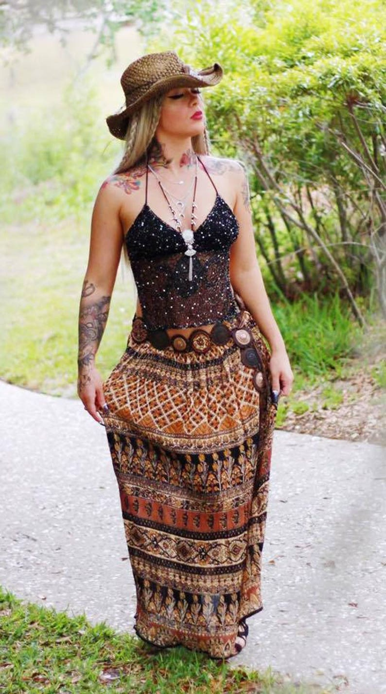 56ced183ac634 Sale Music festival gypsy spell lace crop top Young n famous