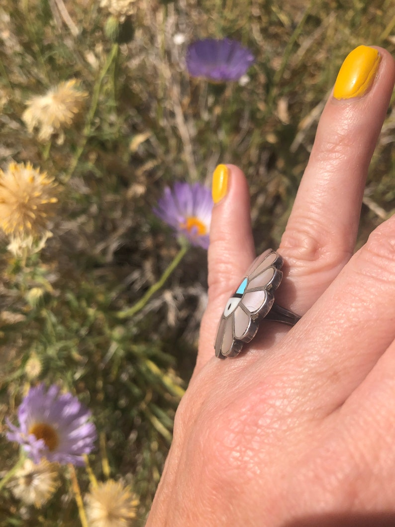 Vintage Zuni Sun Face Mother of Pearl  Ring