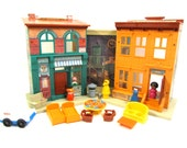 Rare Vintage Fisher Price Play family Sesame Street House #938