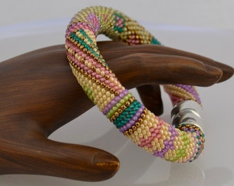Springtime Single Stitch Bead Crochet Bracelet Pattern and How to Crochet Instructions 16 around