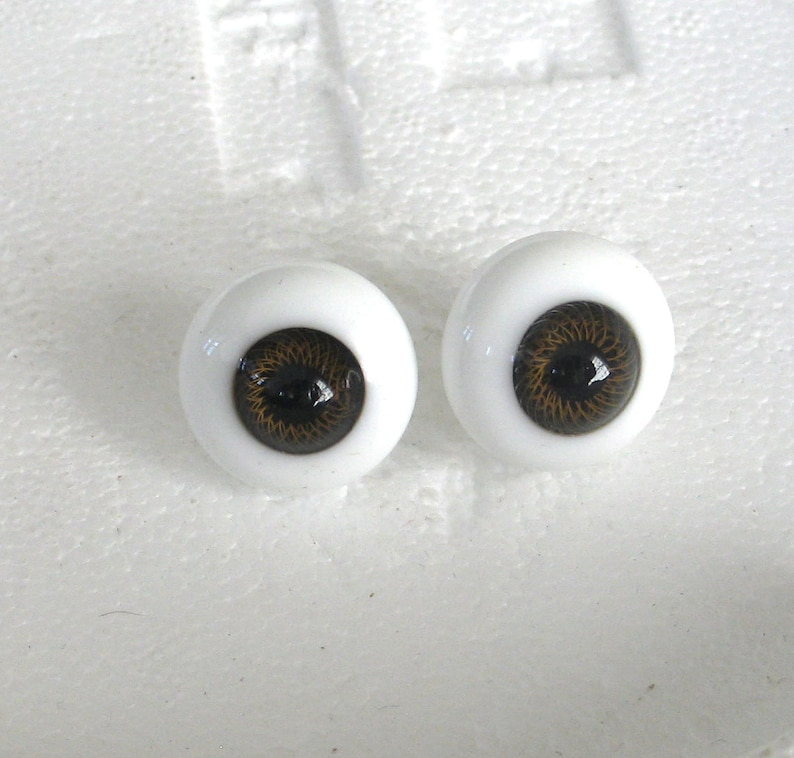 Glass Doll Eyes 20 mm Brown
