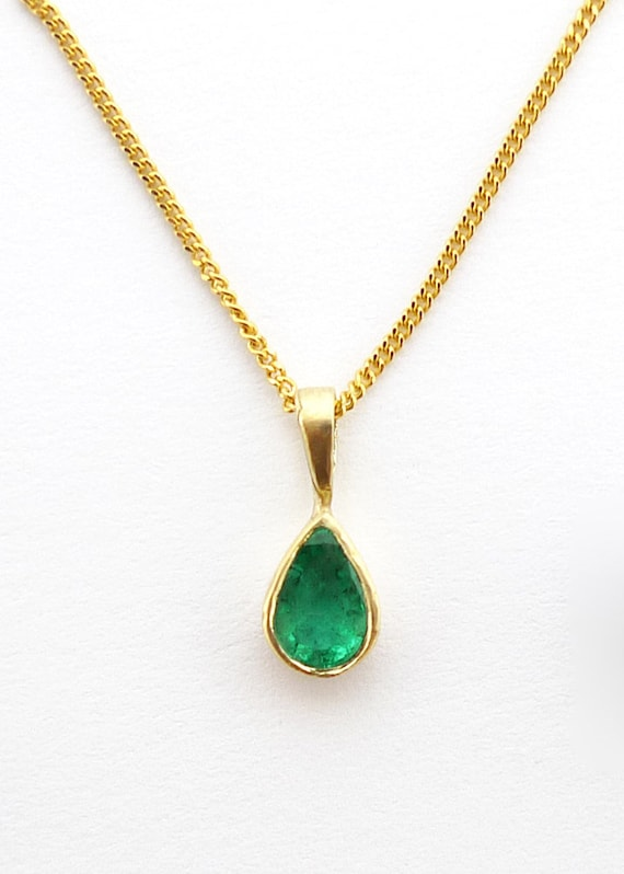 14k Solid Yellow Gold Natural Smooth Teardrop Emerald Quartz Pendant Necklace