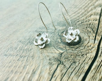 925 Sterling Silver Dangling Sakura Earrings