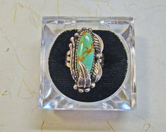 Grama's Beautiful Southwestern Turquoise, Sterling feather triple gallery Ring