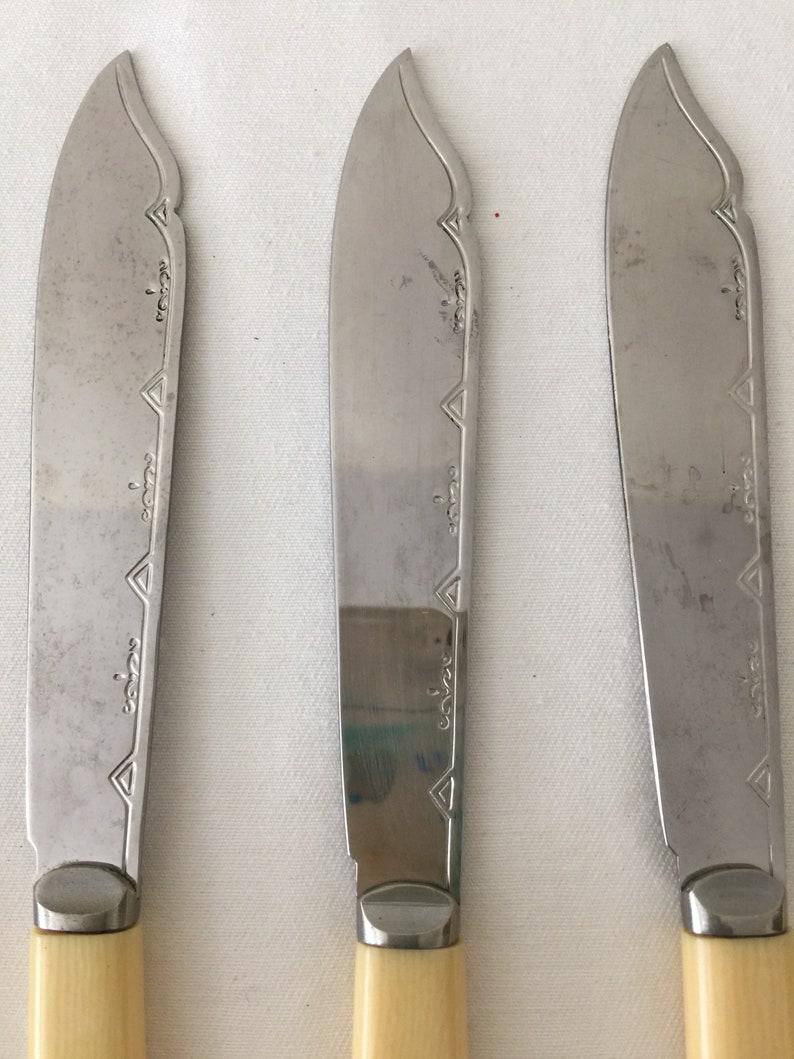 Beautiful Vintage Bakelite Knives ~ Set of Six