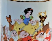 Disney Memorabilia - Snow White and the Seven Dwarfs 1970 39 s EPCOT DISNEY WORLD Mug - Gilt Edge