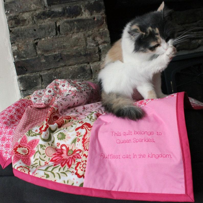 Cat Blanket / pet blanket / pet accessories / kitten blanket / image 0