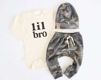 Newborn little brother outfit | baby boy camo outfit | camouflage baby outfit | lil bro big bro | baby boy outfit | boy coming home outfit