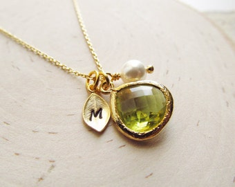 Peridot Necklace Gold, August Birthstone Necklace, Leaf Initial, Jewel Pearl, Gold Birthstone Jewelry, August Birthday Gift, Peridot Jewelry